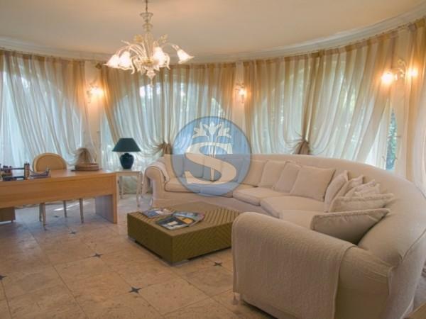 Riferimento SAG120 - Villa in Affitto a Forte dei Marmi
