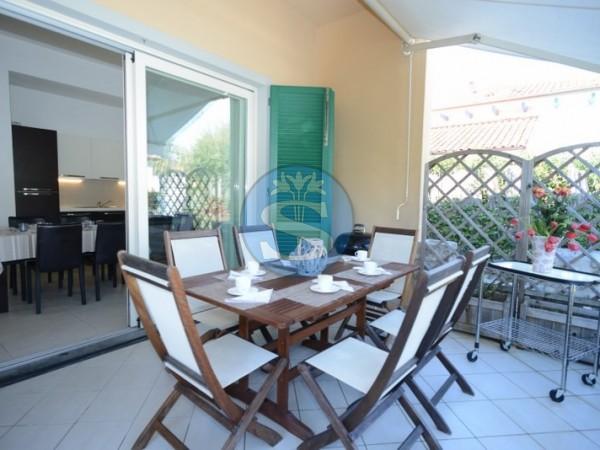 Riferimento SA41 - Villa in Affitto a Pietrasanta - Marina di Pietrasanta