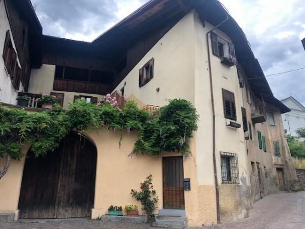Riferimento H015 - Stabile - Palazzo in Vendita a Caldes