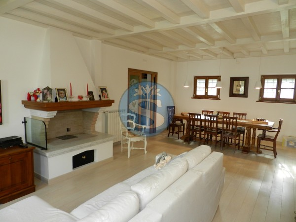 Riferimento SA172 - Villa in Affitto a Marina Di Pietrasanta