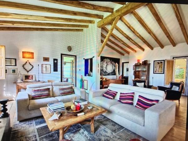 Riferimento SV142 - villa in Compravendita in Pietrasanta - Colline