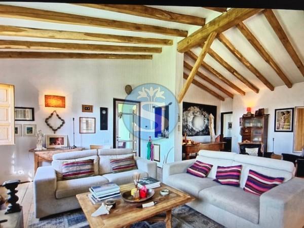 Riferimento SV142 - Villa in Vendita a Pietrasanta - colline