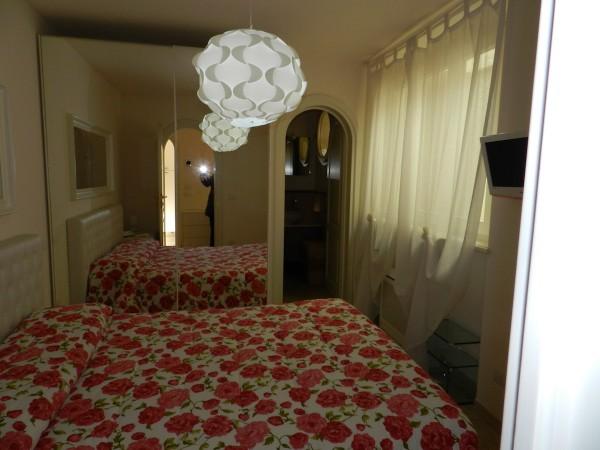 Riferimento SVR119 - villa bifamiliare in Compravendita in Forte Dei Marmi