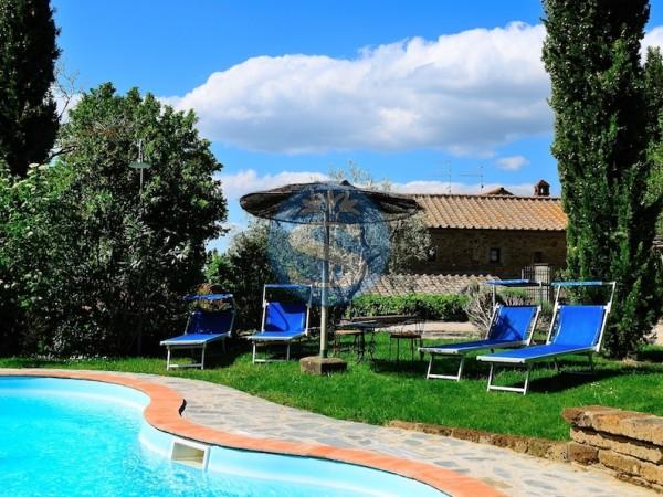Riferimento SA151 - Rustico - Casolare - Colonica in Affitto a Cortona