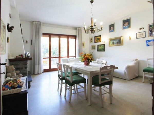 Riferimento SA537 Nannini - villetta in Affitto in Forte Dei Marmi - Centro