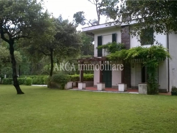 Villa Bifamiliare in vendita, pietrasanta