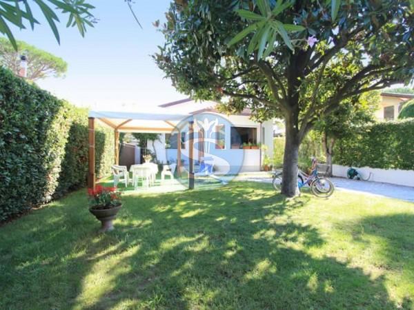 Riferimento SA543 Sandra - Detached House in Rentals a Forte dei Marmi