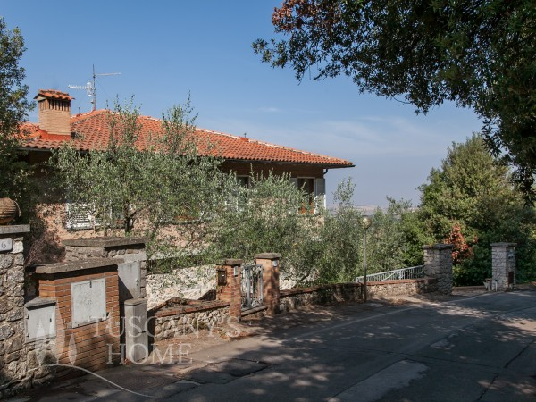 Reference V198 - Villa for Sale in Trequanda