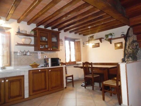 Porzione di Casa in vendita, Pietrasanta, Crociale