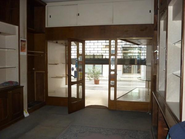 Riferimento 1A4046 - Locale Commerciale in Vendita a Viareggio