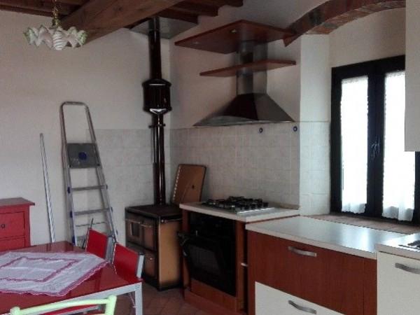 Riferimento LI9005 - Appartamento in Affitto a Limite S/a